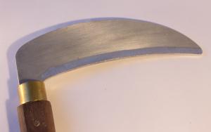 Kama - Aluminium & Walnut