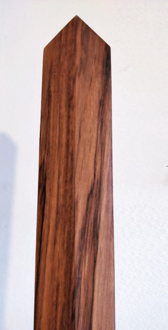 Walnut Eku tip detail